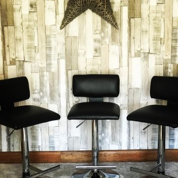 Bar stools in Black Faux Leather