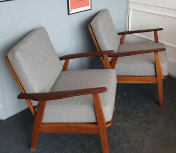 Retro Chairs in Volterra Polished Marble Flat Weave